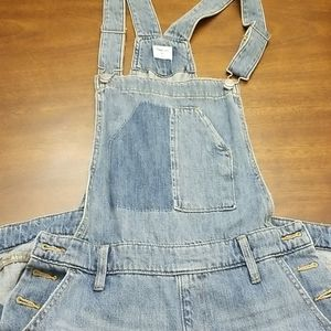 The iconic GAP denim overalls NWOT